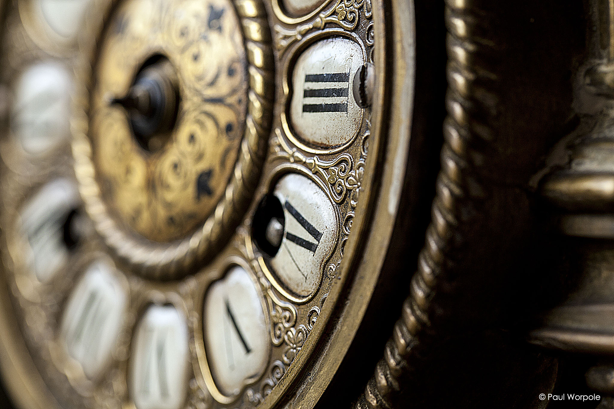 Brochure photography close up shot of Georgian clock face © Paul Worpole Photography